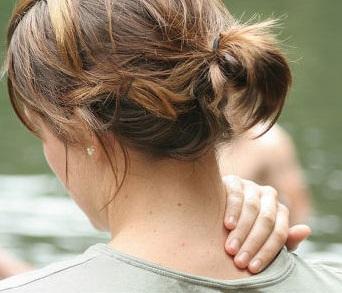 Болит ли спина при заболевании кишечника