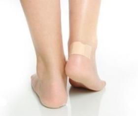 Как избавиться от сухих мозолей на пальцах ног?
