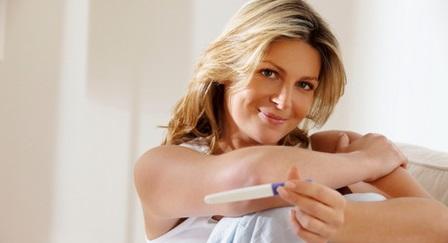 Понос (диарея): как первый признак беременности