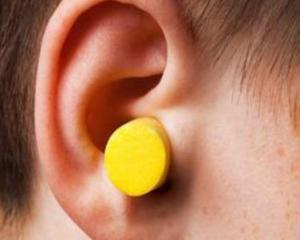 Серная пробка в ухе - cимптомы и лечение. Журнал Медикал