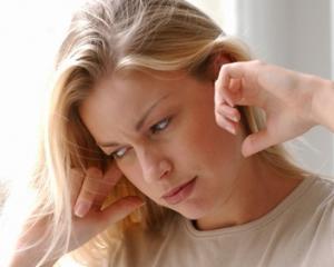 Почему появляется шум в ушах и голове: причины и лечение